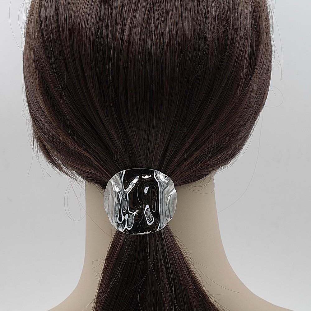 apparence élégante prix de la rue baskets pour pas cher Barrette attache cheveux décorative à poser par dessus un élastique.